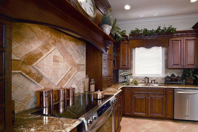 Holiday Kitchens Cabinets - Kitchen & Bath Mart